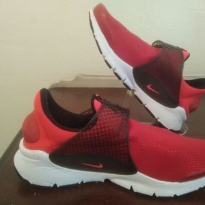 Nike Sock Dart GS 7 Youth 8.5 Women Solar Red-Sire